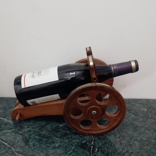Porte bouteille en affût de canon bois et laiton
