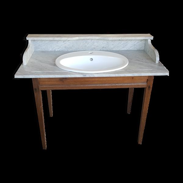 Table de toilette équipée