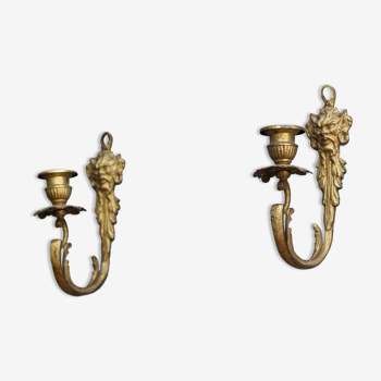 Paire de bougeoirs d'applique en bronze doré