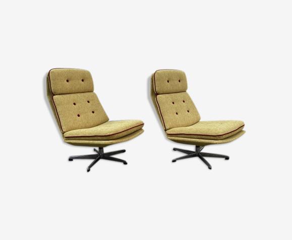 Paire de fauteuils «Lívia» par Gerald Neusser