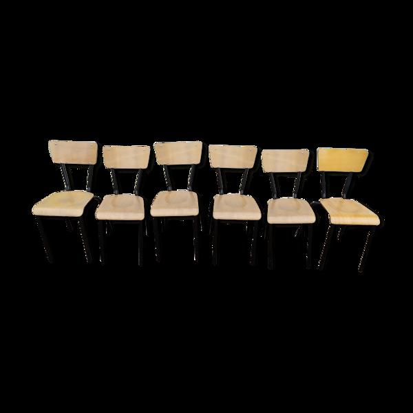 Suite de 6 anciennes chaises d'école  acier noir et bois