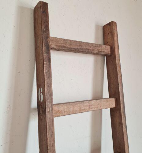 Echelle en bois ancienne