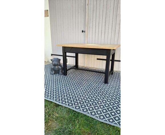 Table de ferme pieds carrés