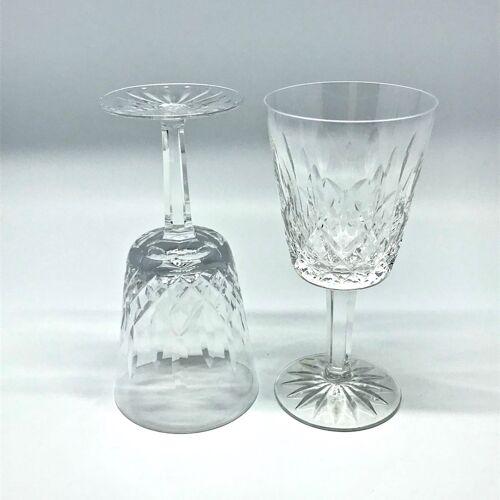 Verres à vin en cristal taillé