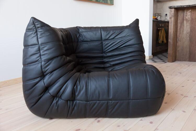 Chauffeuse d'angle Togo en cuir noir par Michel Ducaroy pour Ligne Roset