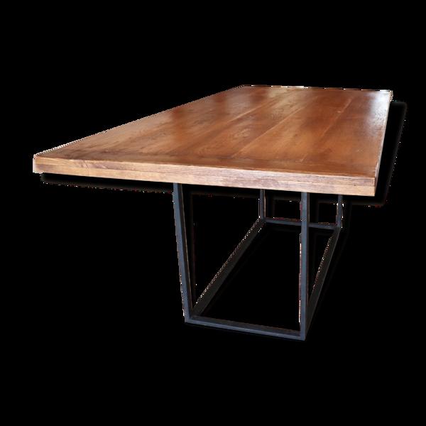 Table rustique chêne massif et acier