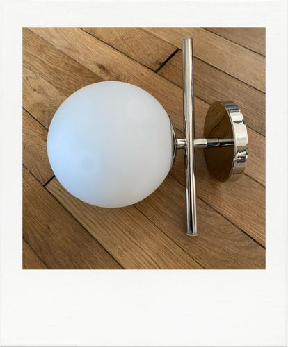 Applique chrome et opaline, années 70