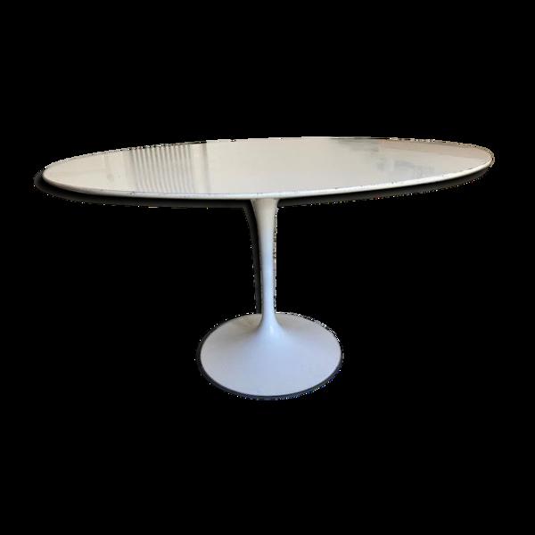 Table d'Eero Saarinen édition Knoll