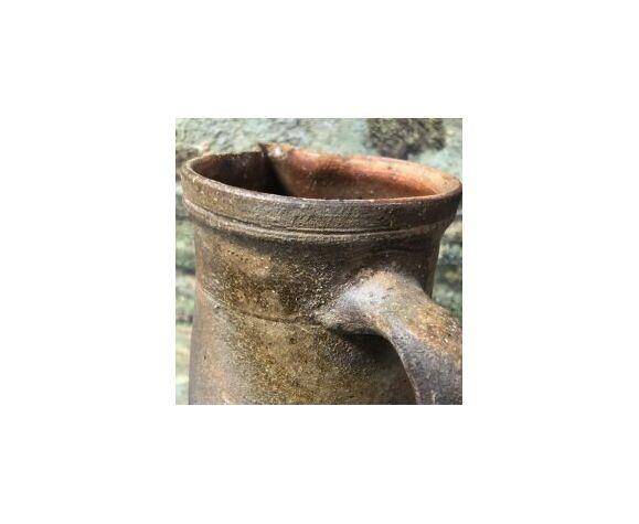 Pichet en terre cuite vernissée