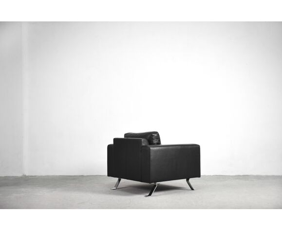 Minimalist black leather 3-seater sofa & armchair by Lind Furniture