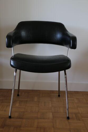Fauteuil en skaï noir