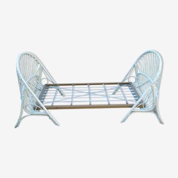 Rattan basket bed