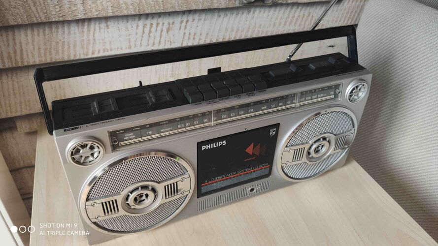 Boom Box modèle Philips D8054 1986 compatible Bluetooth