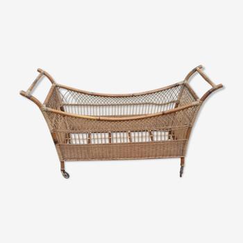 Baby wicker bed