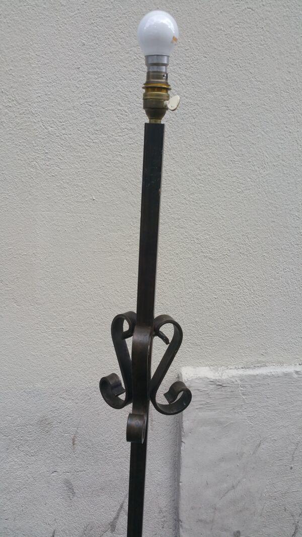 Pied de lampadaire