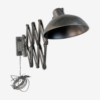Lampe ancienne Kaiser idell 6614 datant de 1940
