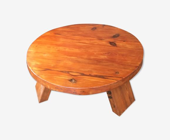 Table basse brutaliste en pin