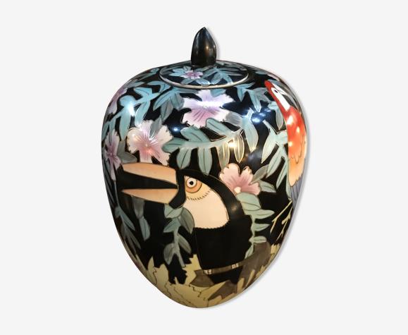 Vase chinois aux toucans et perroquets