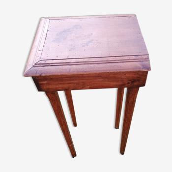 Desserte en bois ancienne avec un tiroir