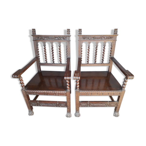 Paire 2 fauteuils Louis XIII noyer massif 1930/40