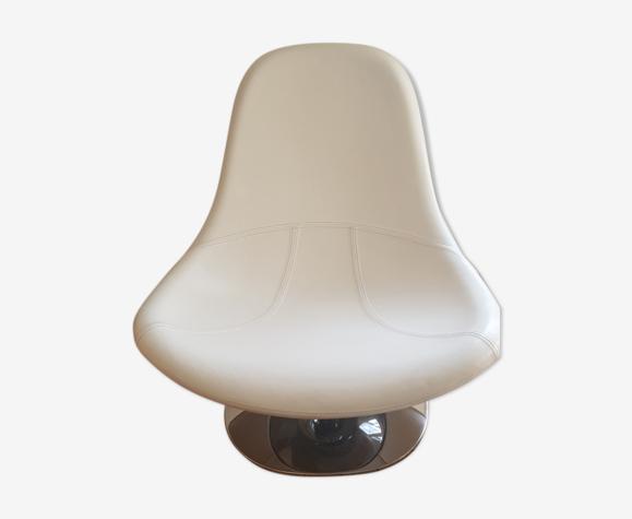 Fauteuil Egg Tirup de Carl Öjerstam pour Ikea