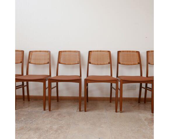 Ensemble de six chaises à manger danoises en teck et cuir beige du milieu du siècle (6)