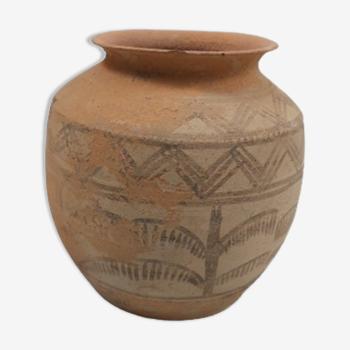 Pot en terre cuite de la vallée de l'Indus. 3000 ACN.