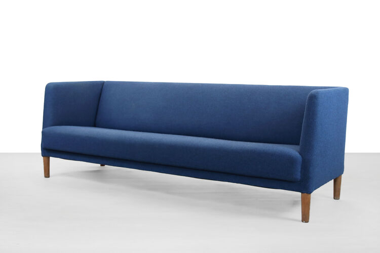 Canapé bleu de Hans J. Wegner pour Johannes Hansen