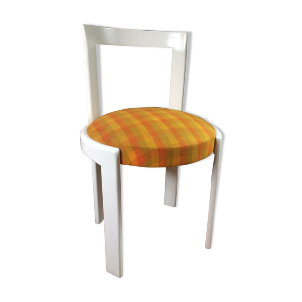 Chaise vintage style futuriste