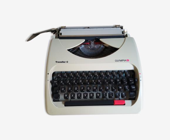 Machine à écrire olympia traveller c - année 97