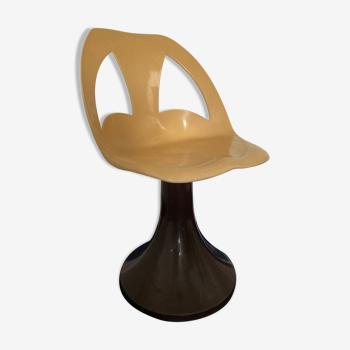 Chaise vintage en plastique années 70 pied tulipe