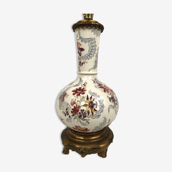 Vase en faïence à décor floral monté en lampe XIXe
