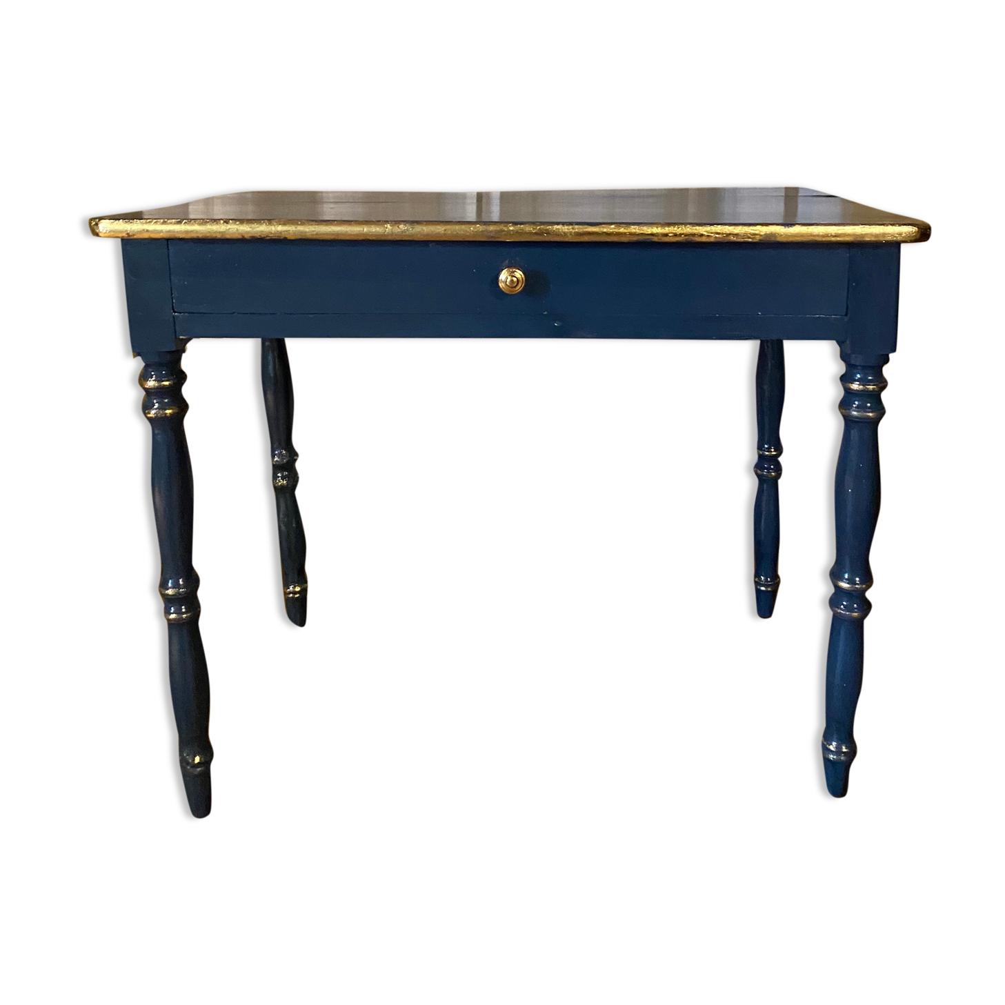 Table ancienne laquée aux contours dorés  à la feuille d'or