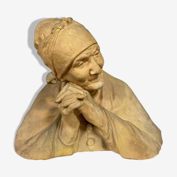 Buste de vieille femme au fichu Terre cuite patinée  Berthe Gurardet 1867-1940