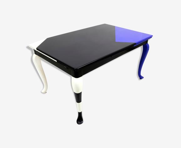 Décor abstrait table laquée