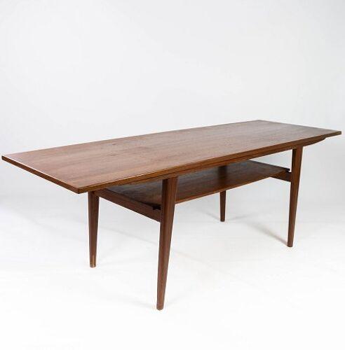 Table basse en teck avec étagère, de design danois des années 1960