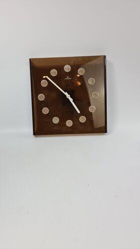 Horloge murale en plexiglas fumé vintage par Junghans Allemagne