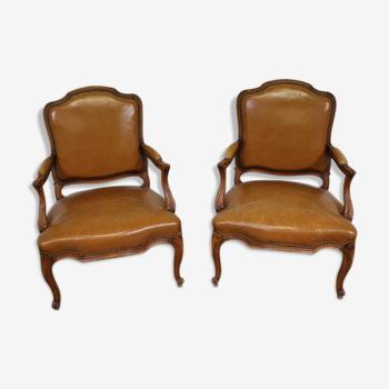Paire de fauteuils cabriolets Louis XV cuir havane