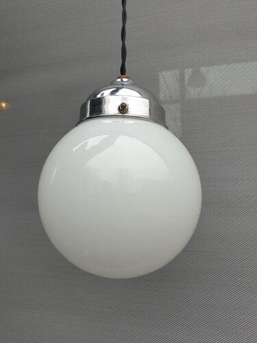 Baladeuse art déco globe d15 verre opalin