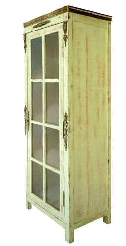 Armoire vitrine patinée vert amande