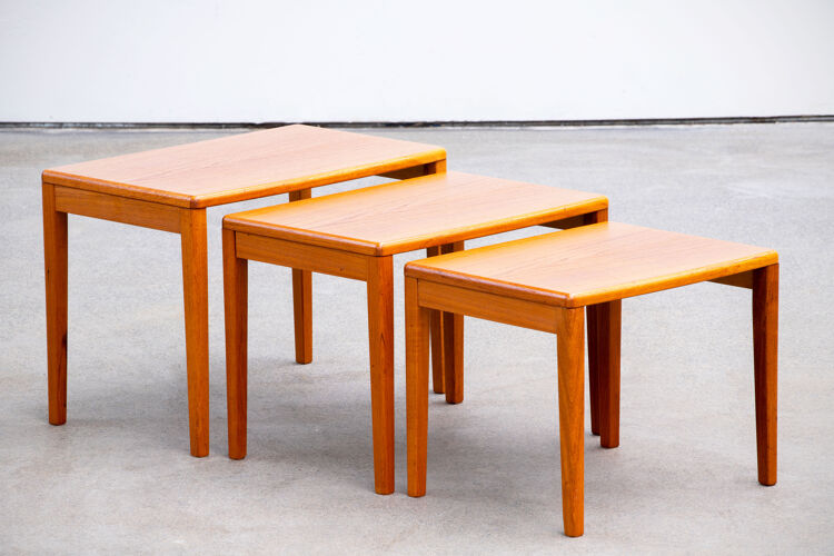 Scandinavian teak pull-out coffee tables