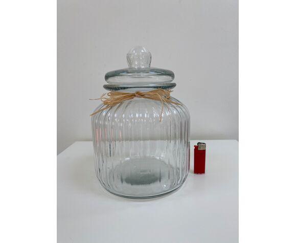 Bonbonnière en verre cannelé