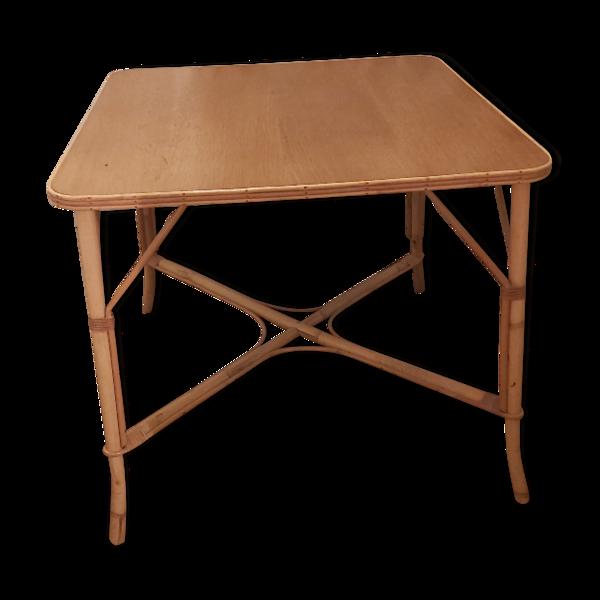 Table carrée en bois et rotin vintage
