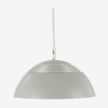 Suspension Arne Jacobsen grise