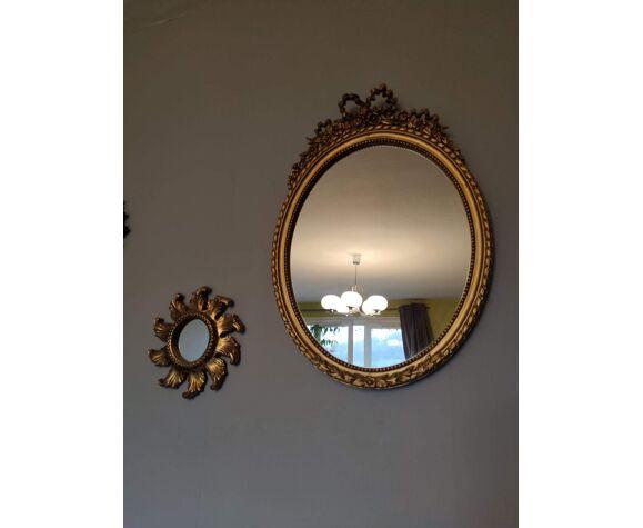 Miroir Louis XVI en résine dorée à décor de noeuds 44x62cm