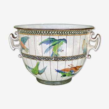 Cache pot en céramique décors perruches fêle et manque