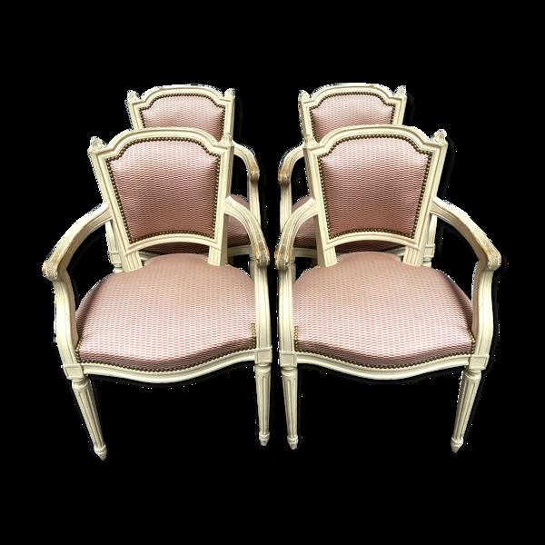 Série de 4 fauteuils Louis XVI a dossiers a la Reine bois laqué avec une jolie tapisserie