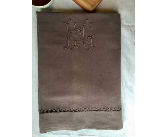 Drap ancien en lin et coton teinté en châtaigne