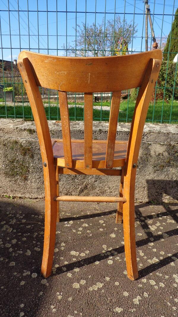 Set de 30 chaises bistrot