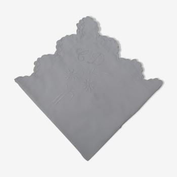 Taie d'oreiller ancienne en fine toile blanche monogrammée  C D